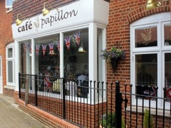 Cafe Papillon back